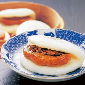 〈岩崎本舗〉長崎角煮まんじゅう